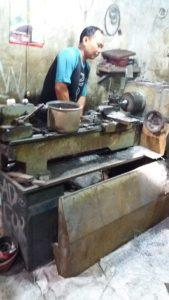 Tukang Bubut Senior - Awien Jaya
